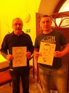 Účastníci z Lakovny Hajdík se svými karikaturami
