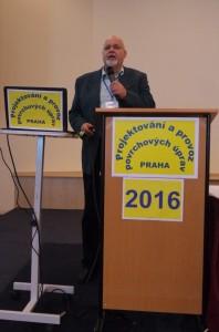 Ing. Szelag (AKI, Pragochema) při společné přednášce